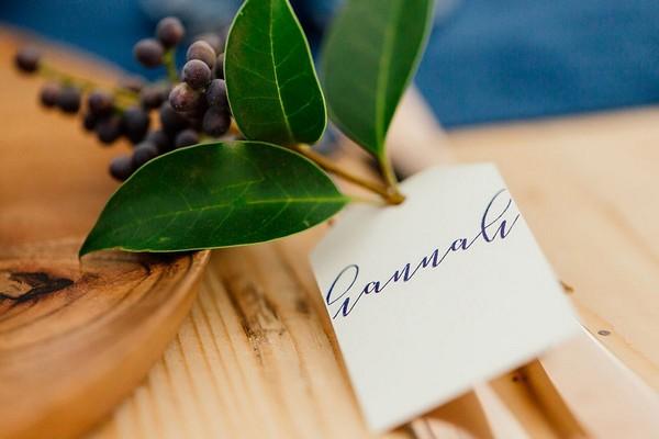 Leaf wedding name tag