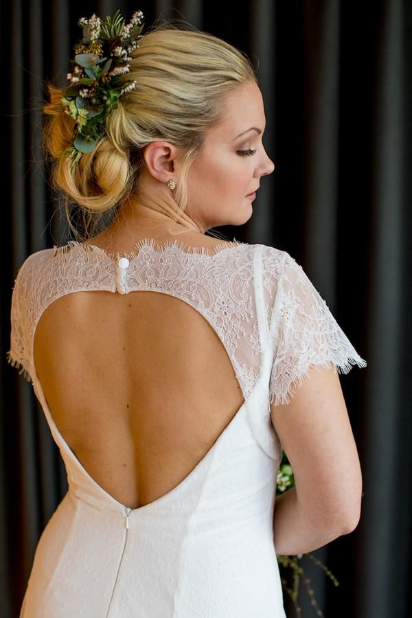 Sweetheart back of wedding dress
