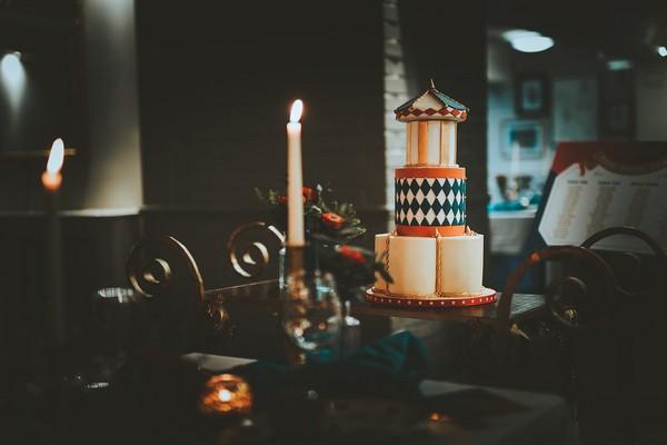 1920's carnival style wedding cake