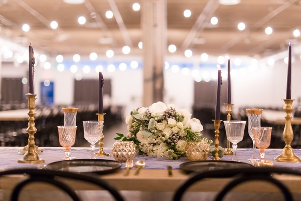 White and green wedding table flowers