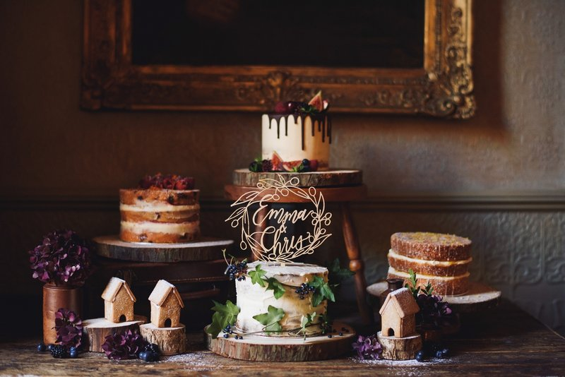 Rustic wedding cakes and treats