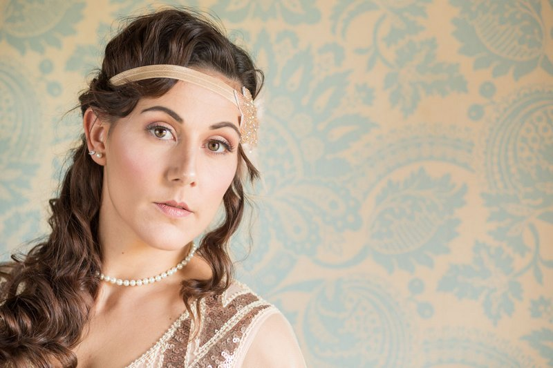 Bridesmaid wearing vintage style headband