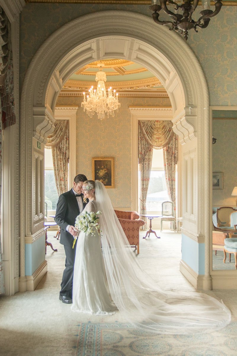 Bride and groom in Heythrop Park