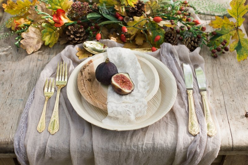 Wedding place setting with eco autumn styling