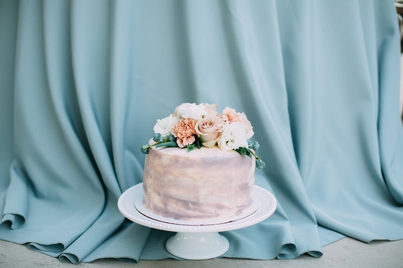 Soft mauve wedding cake