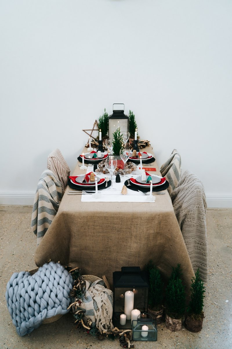 Nordic winter wedding styled table