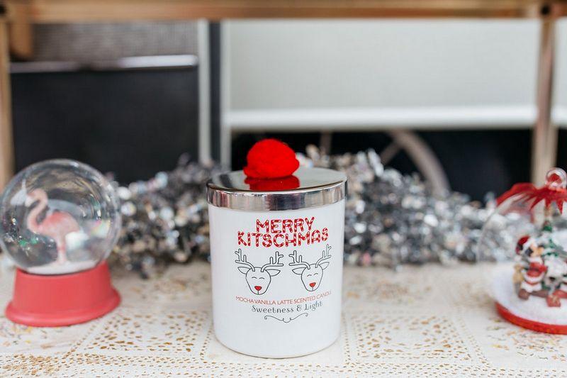 Merry kitschmas candle