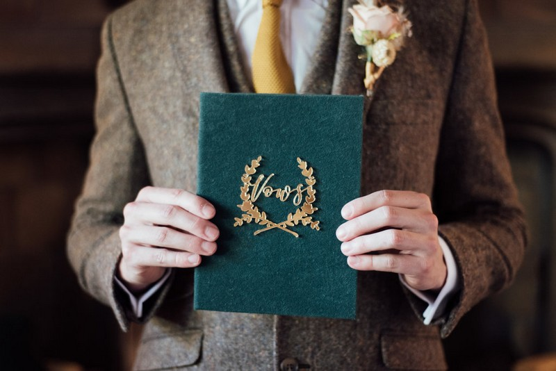 Velvet wedding vows book
