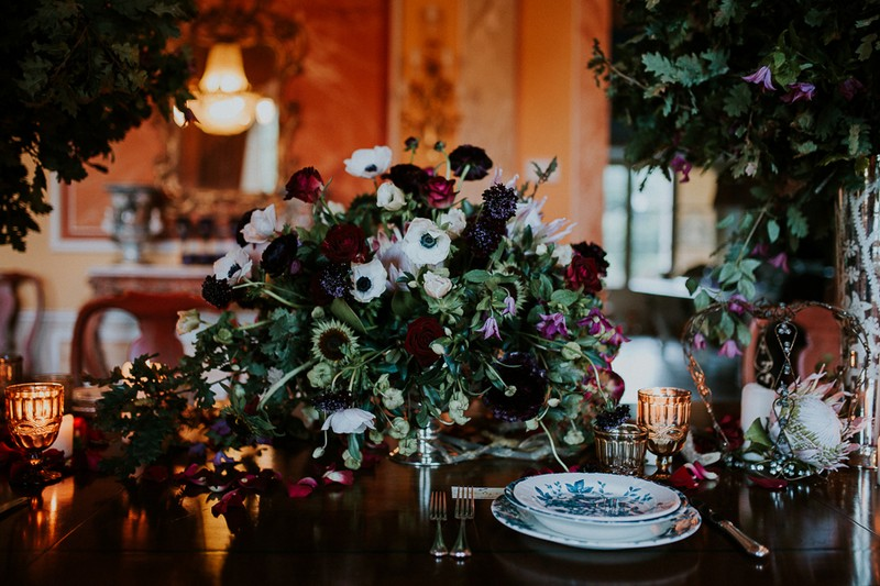Beautiful winter wedding table flowers