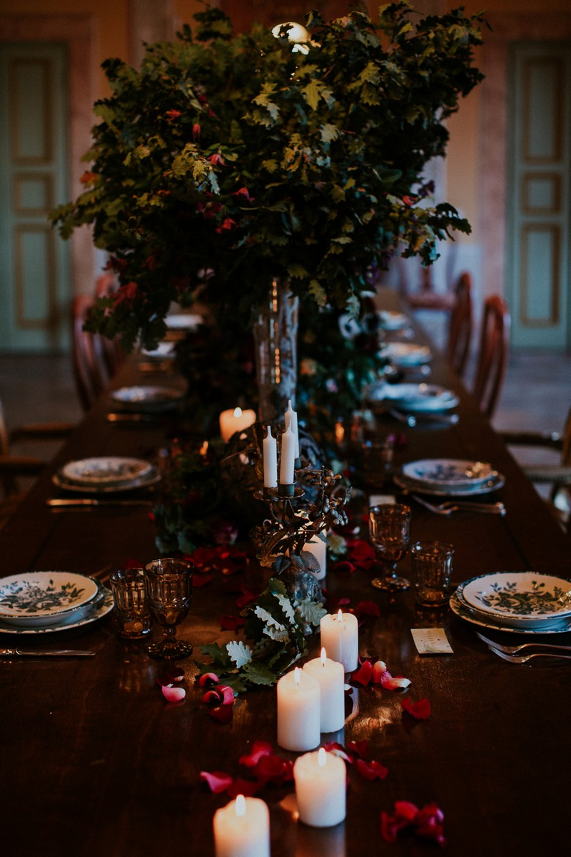Winter styling down centre of wedding table