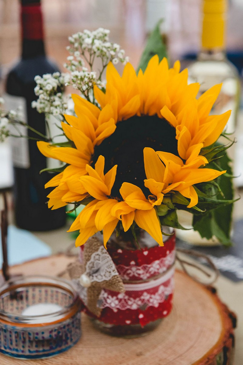 Sunflower on wedding table