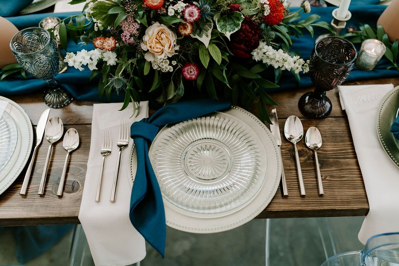 Glass plate at wedding place setting