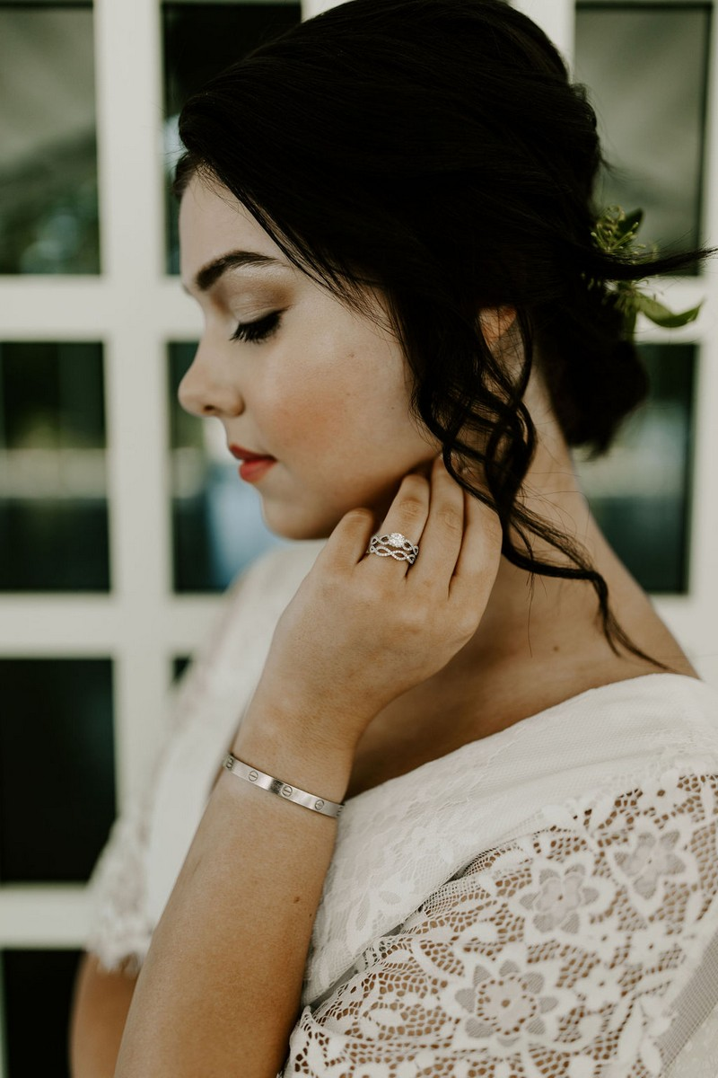 Bride with ring and bracelet