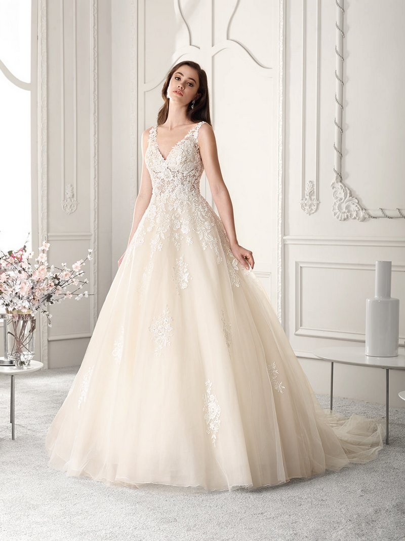 813 Wedding Dress from the Demetrios Starlight 2019 Bridal Collection