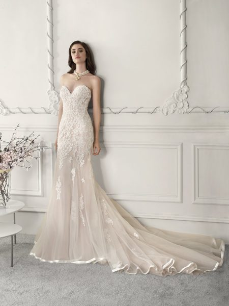 816 Wedding Dress Without Cap Sleeves from the Demetrios Starlight 2019 Bridal Collection