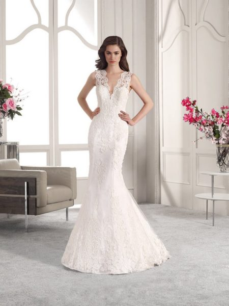 833 Wedding Dress from the Demetrios Starlight 2019 Bridal Collection