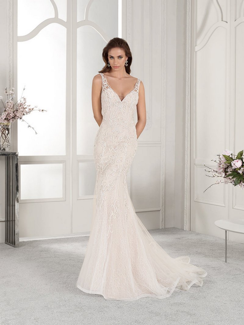 850 Wedding Dress from the Demetrios Starlight 2019 Bridal Collection