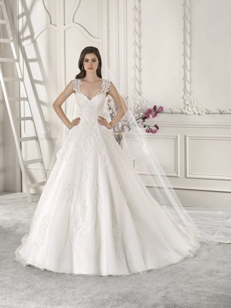 871 Wedding Dress from the Demetrios Starlight 2019 Bridal Collection