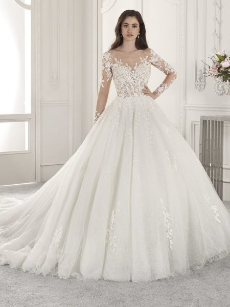 875 Wedding Dress from the Demetrios Starlight 2019 Bridal Collection