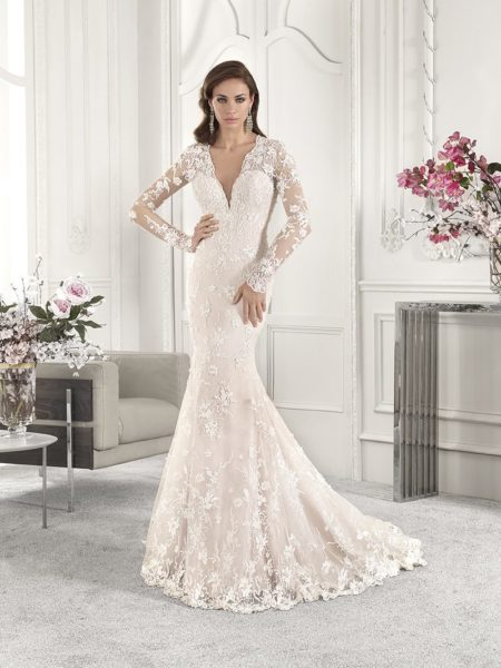 876 Wedding Dress from the Demetrios Starlight 2019 Bridal Collection