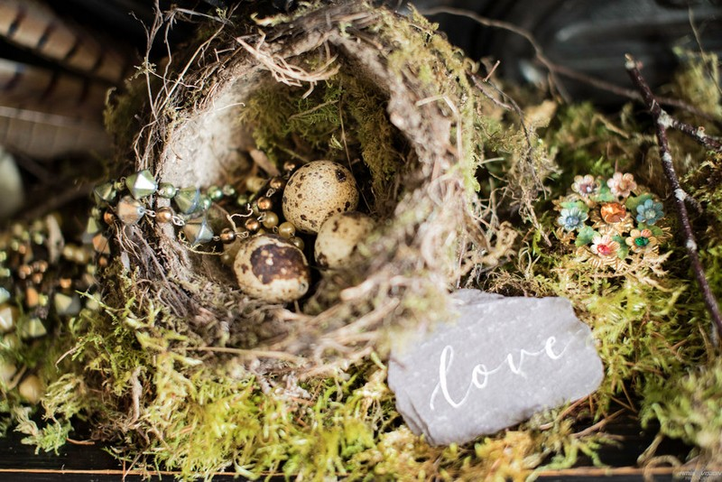 Nest with eggs as wedding decor