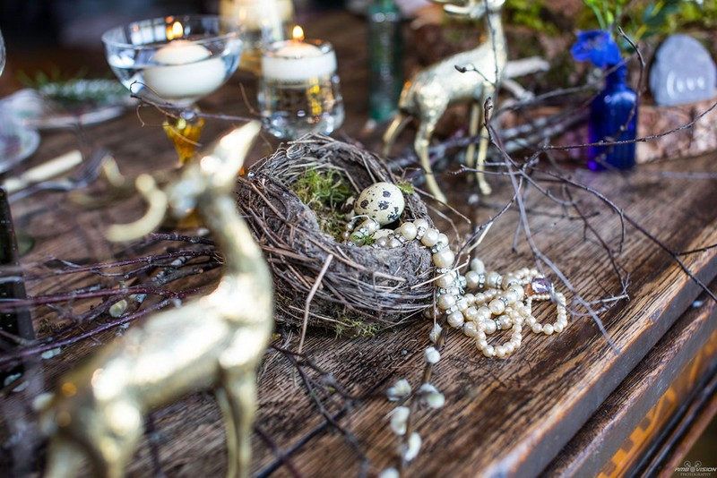 Bird nest on wedding table