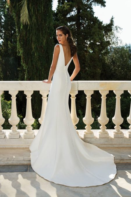 Back of Style 88071 Wedding Dress from the Justin Alexander Fall/Winter 2019 Bridal Collection