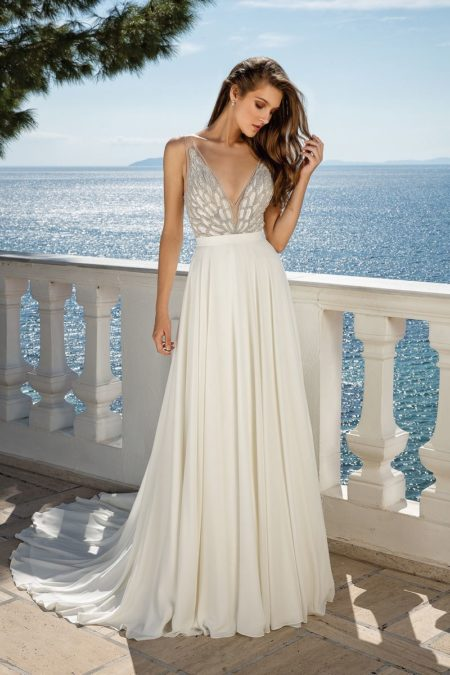 Style 88074 Wedding Dress from the Justin Alexander Fall/Winter 2019 Bridal Collection