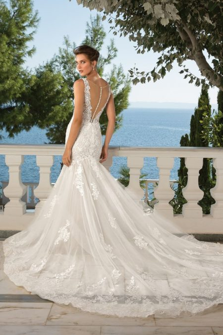 Back of Style 88077 Wedding Dress from the Justin Alexander Fall/Winter 2019 Bridal Collection