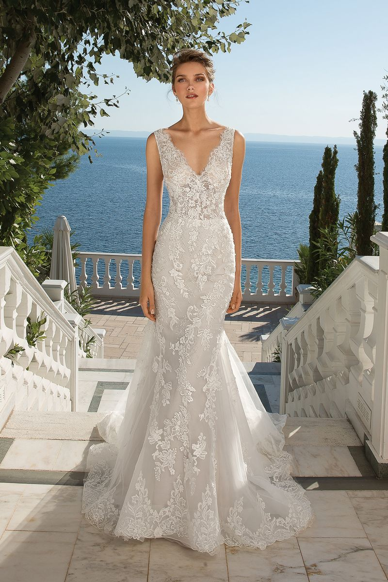 Style 88077 Wedding Dress from the Justin Alexander Fall/Winter 2019 Bridal Collection