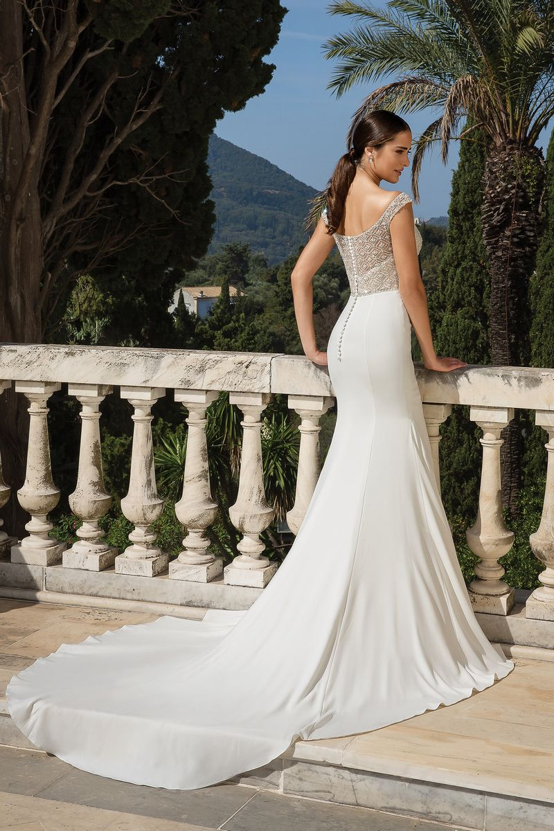 Back of Style 88083 Wedding Dress from the Justin Alexander Fall/Winter 2019 Bridal Collection