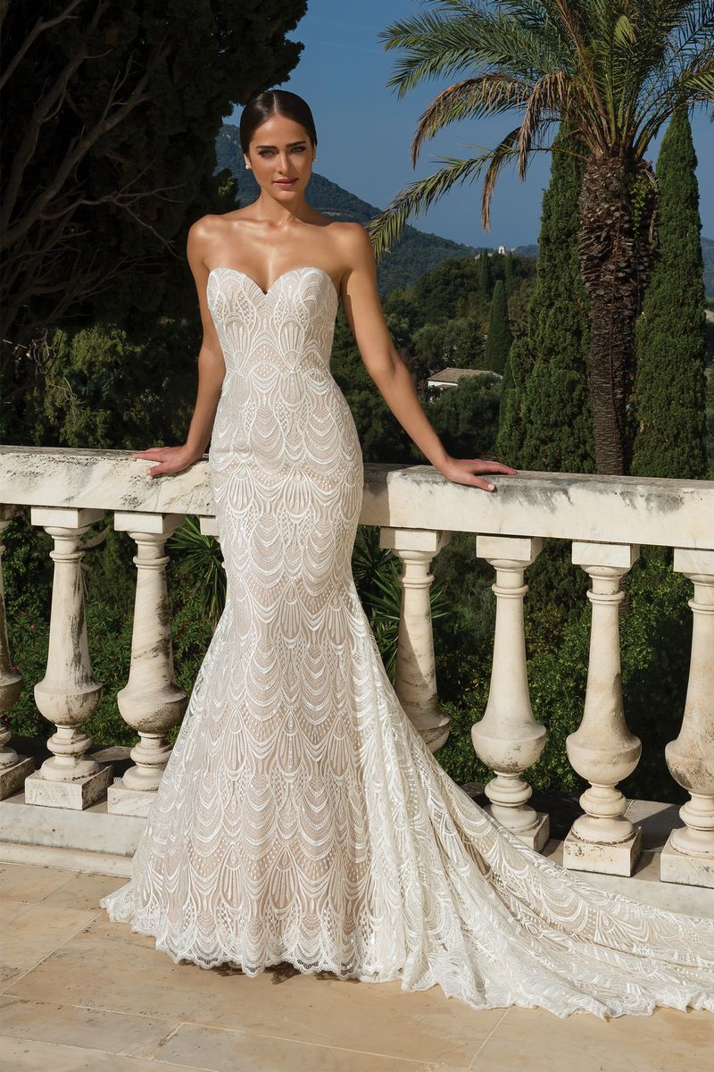 Style 88085 Wedding Dress from the Justin Alexander Fall/Winter 2019 Bridal Collection