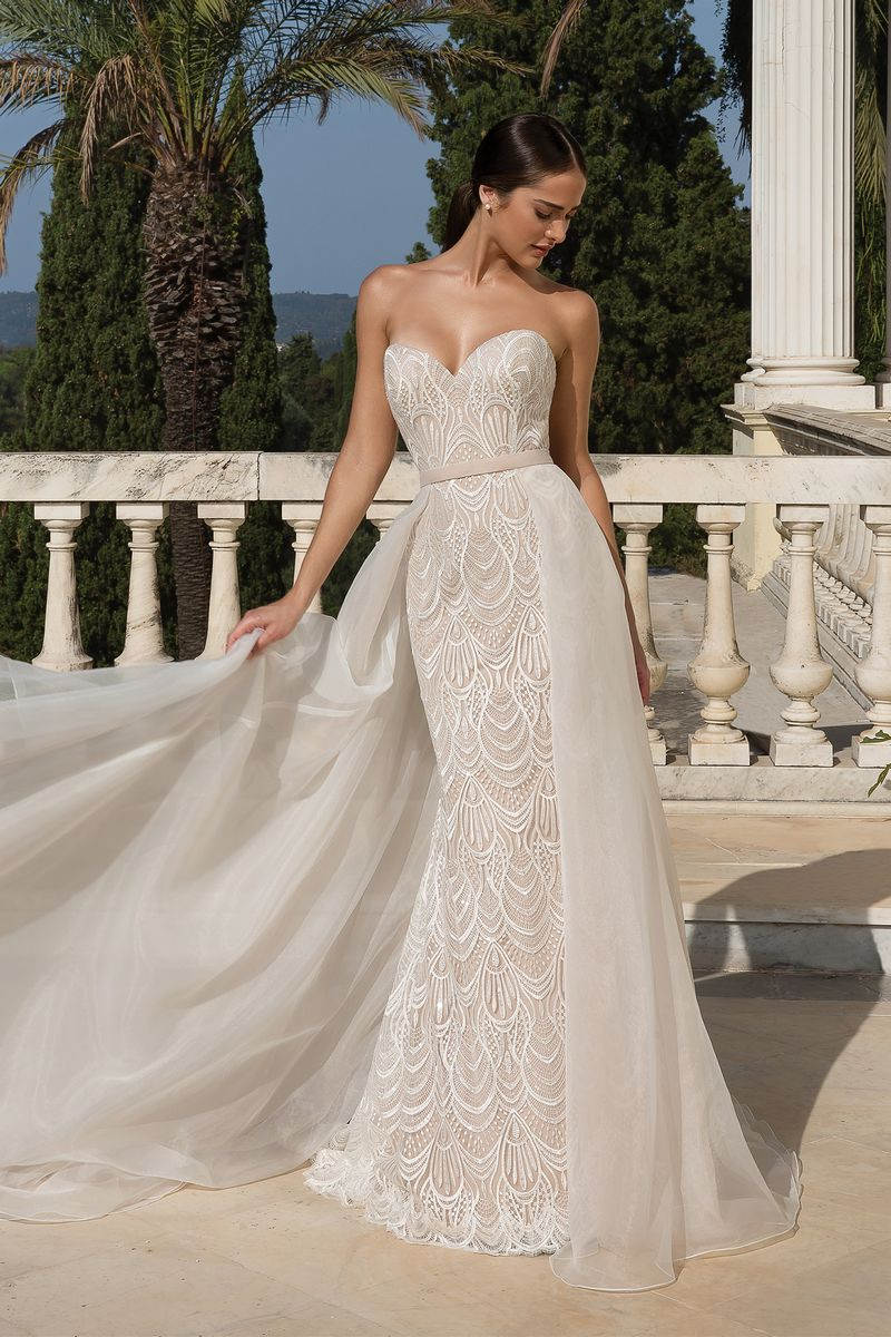 Style 88085 Wedding Dress with Detachable Overskirt from the Justin Alexander Fall/Winter 2019 Bridal Collection