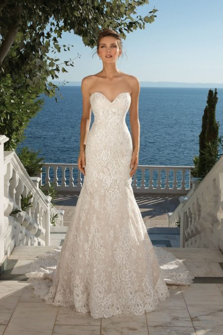 Style 88087 Wedding Dress from the Justin Alexander Fall/Winter 2019 Bridal Collection