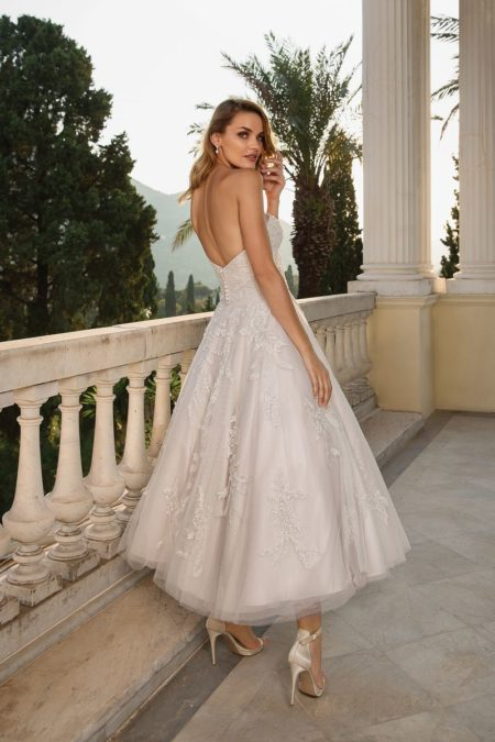 Back of Style 88089 Wedding Dress from the Justin Alexander Fall/Winter 2019 Bridal Collection