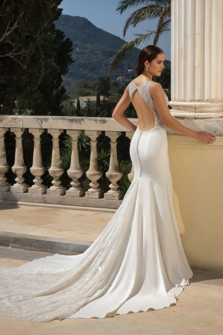 Back of Style 88090 Wedding Dress from the Justin Alexander Fall/Winter 2019 Bridal Collection