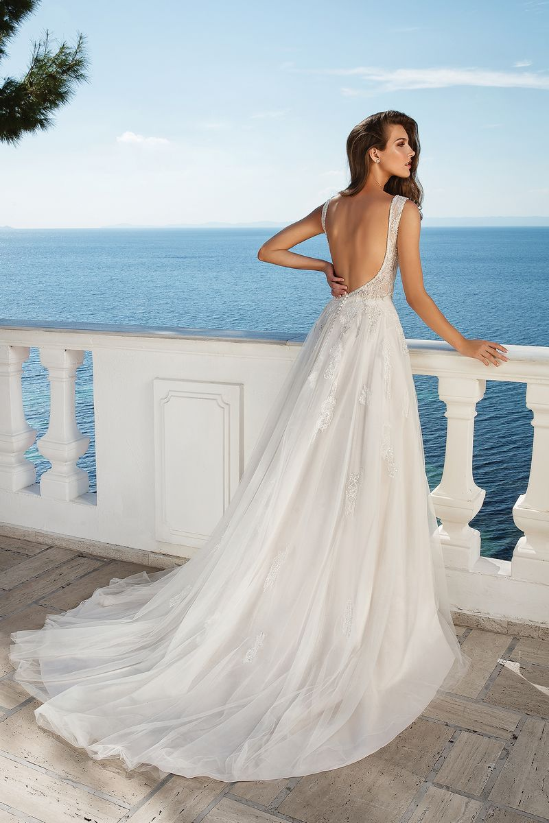 Back of Style 88091 Wedding Dress from the Justin Alexander Fall/Winter 2019 Bridal Collection