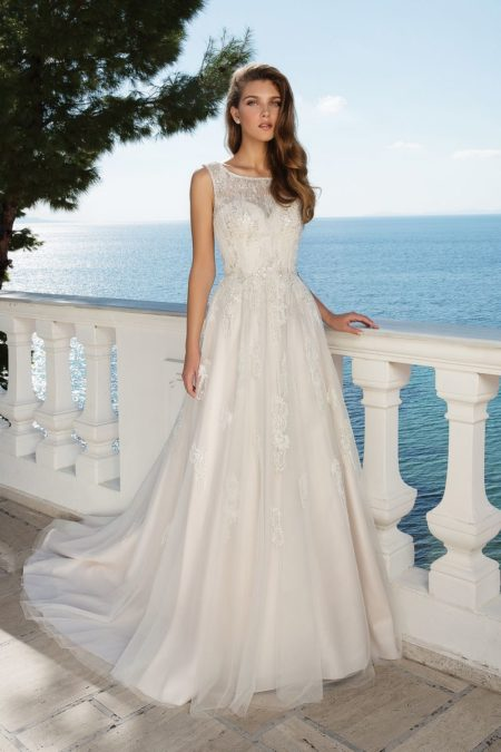 Style 88091 Wedding Dress from the Justin Alexander Fall/Winter 2019 Bridal Collection