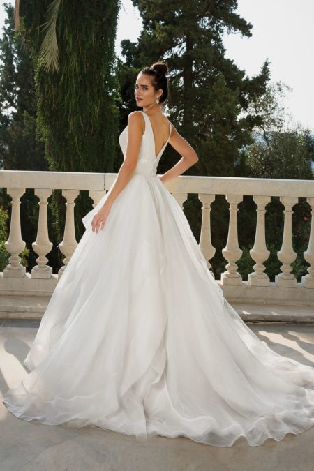 Back of Style 88093 Wedding Dress from the Justin Alexander Fall/Winter 2019 Bridal Collection
