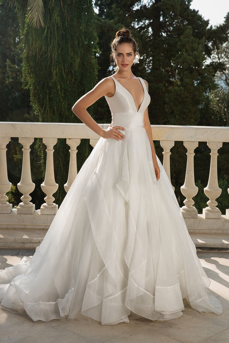 Style 88093 Wedding Dress from the Justin Alexander Fall/Winter 2019 Bridal Collection