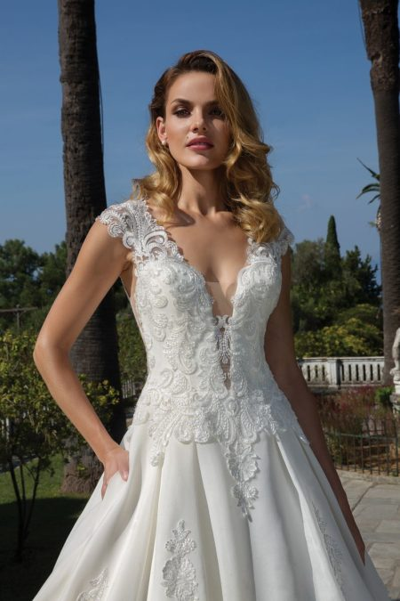 Detail on Style 88096 Wedding Dress from the Justin Alexander Fall/Winter 2019 Bridal Collection