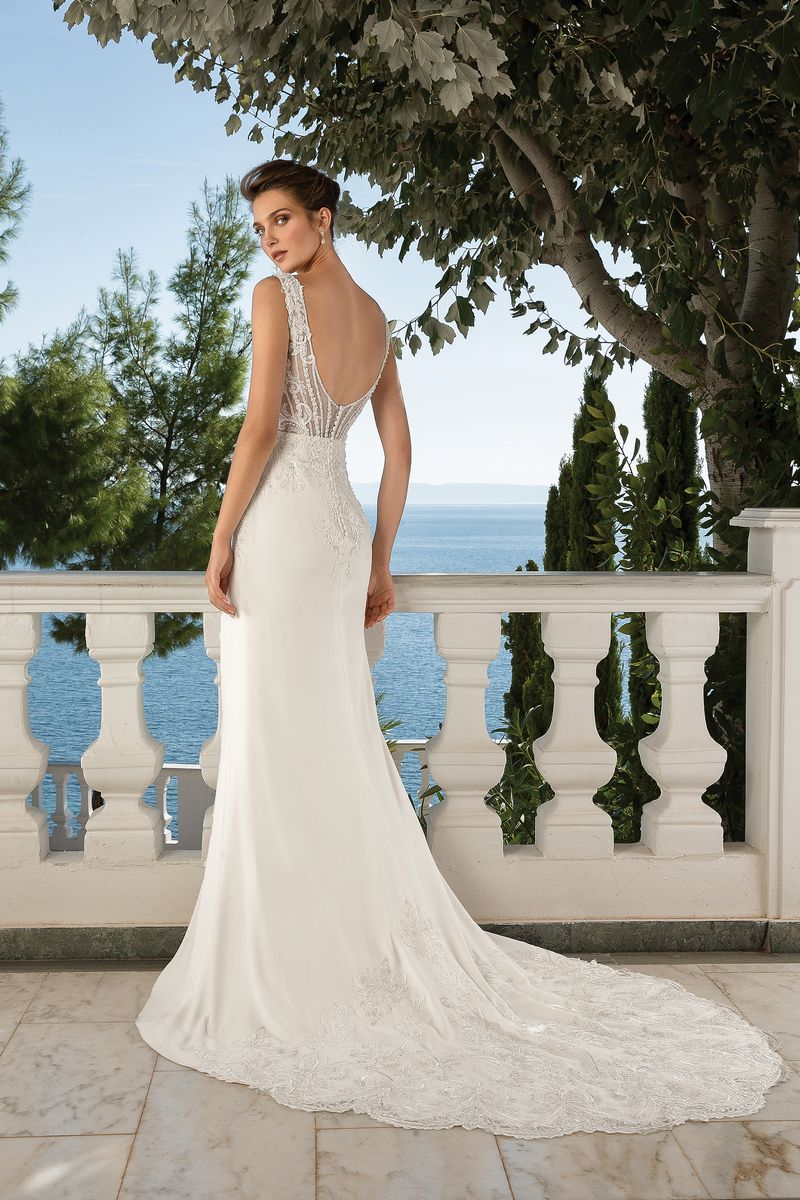 Back of Style 88097 Wedding Dress from the Justin Alexander Fall/Winter 2019 Bridal Collection