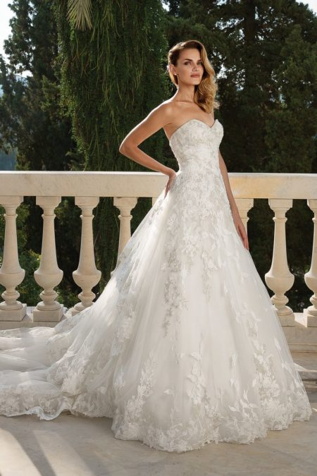 Style 88098 Wedding Dress from the Justin Alexander Fall/Winter 2019 Bridal Collection