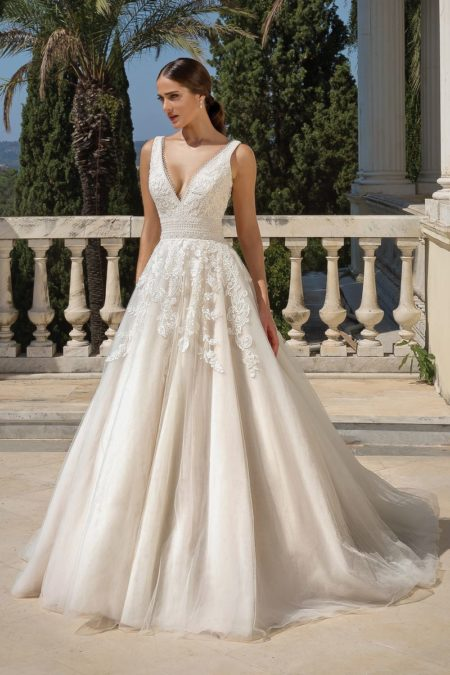 Style 88100 Wedding Dress from the Justin Alexander Fall/Winter 2019 Bridal Collection