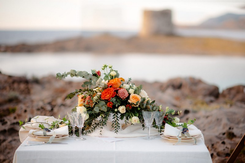 Small table for beach elopement in Sardinia