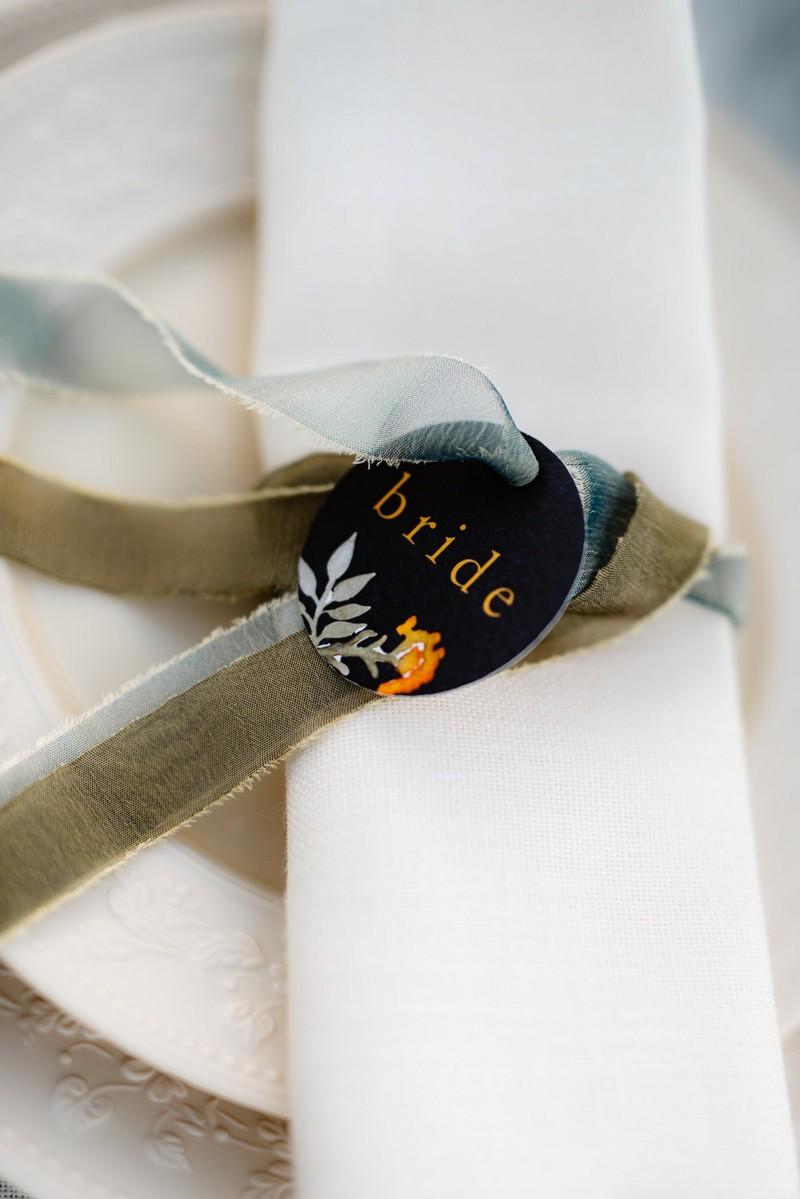 Circular bride tag