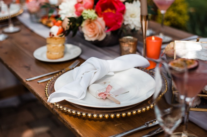 Simple wedding table place setting