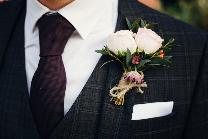 Tied style buttonhole