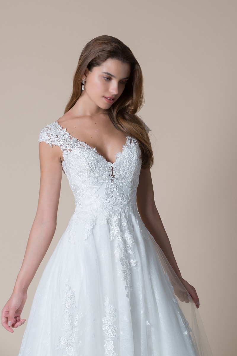 Bailey Wedding Dress from the MiaMia Flying Down to Rio 2020 Bridal Collection