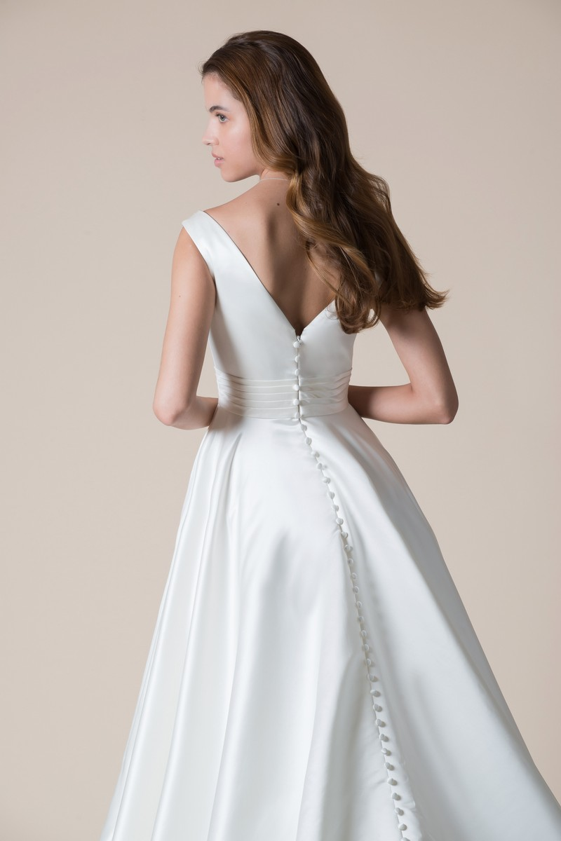 Back of Delphina Wedding Dress from the MiaMia Flying Down to Rio 2020 Bridal Collection